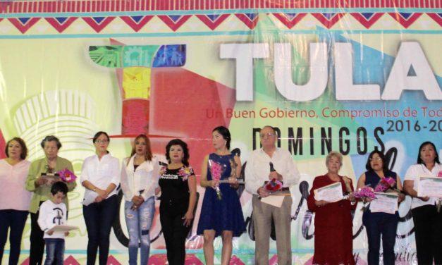 Entregan Premio Mujer Orgullo Tolteca