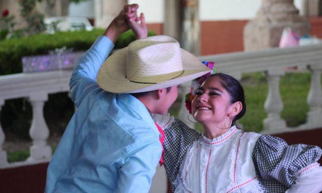 Gran afluencia en el encuentro de danza folclórica México-Colombia.