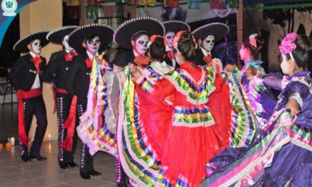Celebra Grupo Educativo Los Ángeles Festival Artístico alusivo al Día de Muertos, Patrimonio Oral e Intangible de la Humanidad.